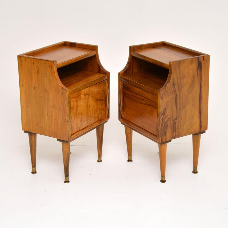 1960s Pair of Vintage Italian Walnut Bedside Cabinets For Sale 3