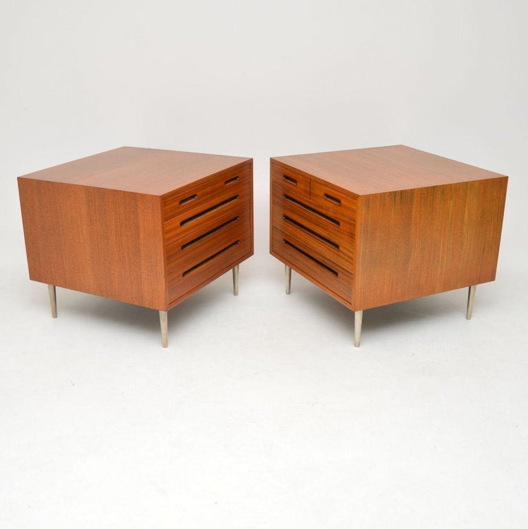 Mid-Century Modern 1960s Pair of Vintage Mahogany Chests by Edward Wormley for Dunbar For Sale