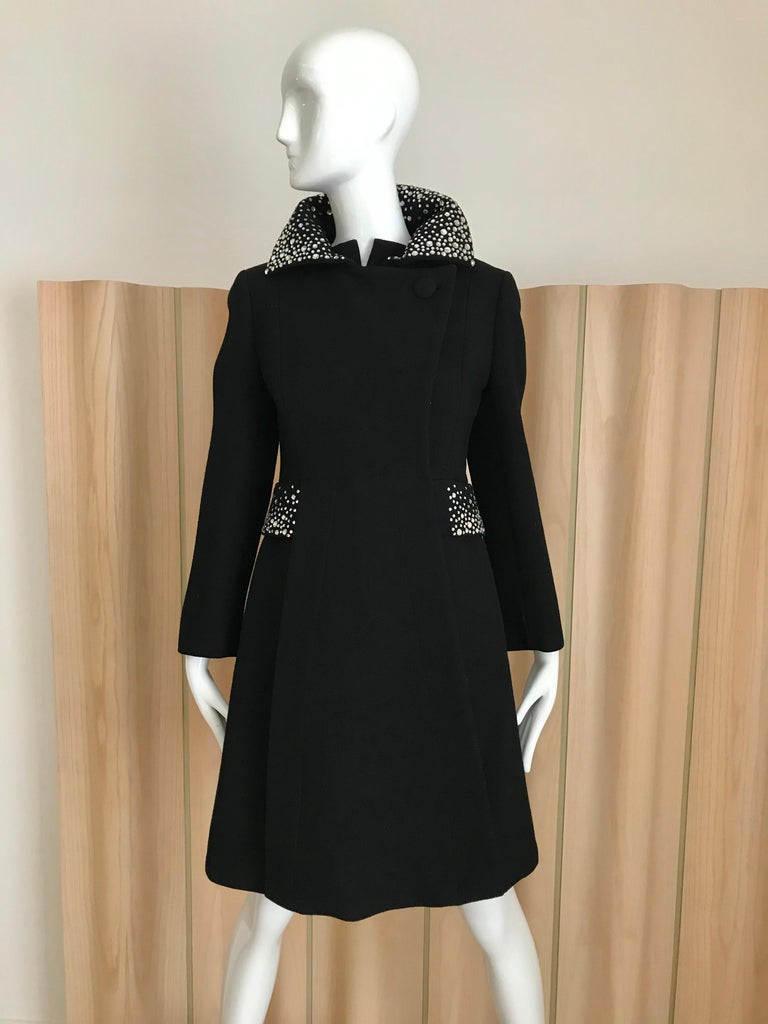 1960s Pauline Trigere Black Crepe Sleeveless Dress and Coat  In Excellent Condition For Sale In Beverly Hills, CA