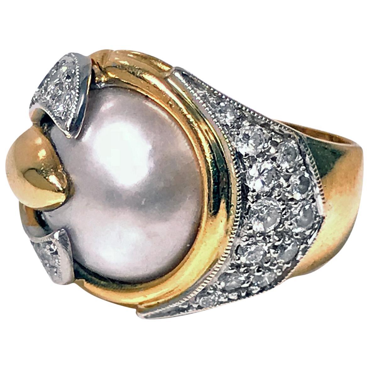 1960s Pearl Diamond 18 Karat Ring
