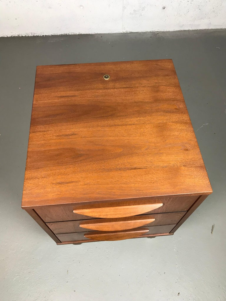 Mid-20th Century 1960s Petite Low Chest in Walnut by Jens Risom For Sale