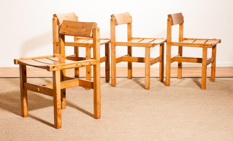 1960s, Set of Four Pine Dining Chairs by Edvin Helseth, Norway For Sale 6