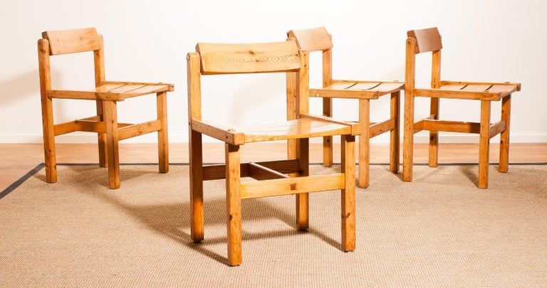 1960s, Set of Four Pine Dining Chairs by Edvin Helseth, Norway For Sale 7