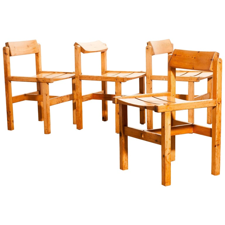 Norwegian 1960s, Set of Four Pine Dining Chairs by Edvin Helseth, Norway For Sale