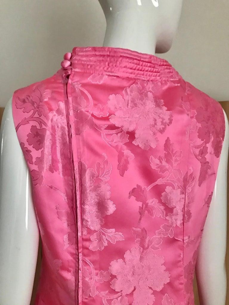 1960s Pink Jacquard Sleeveless Dress For Sale 1