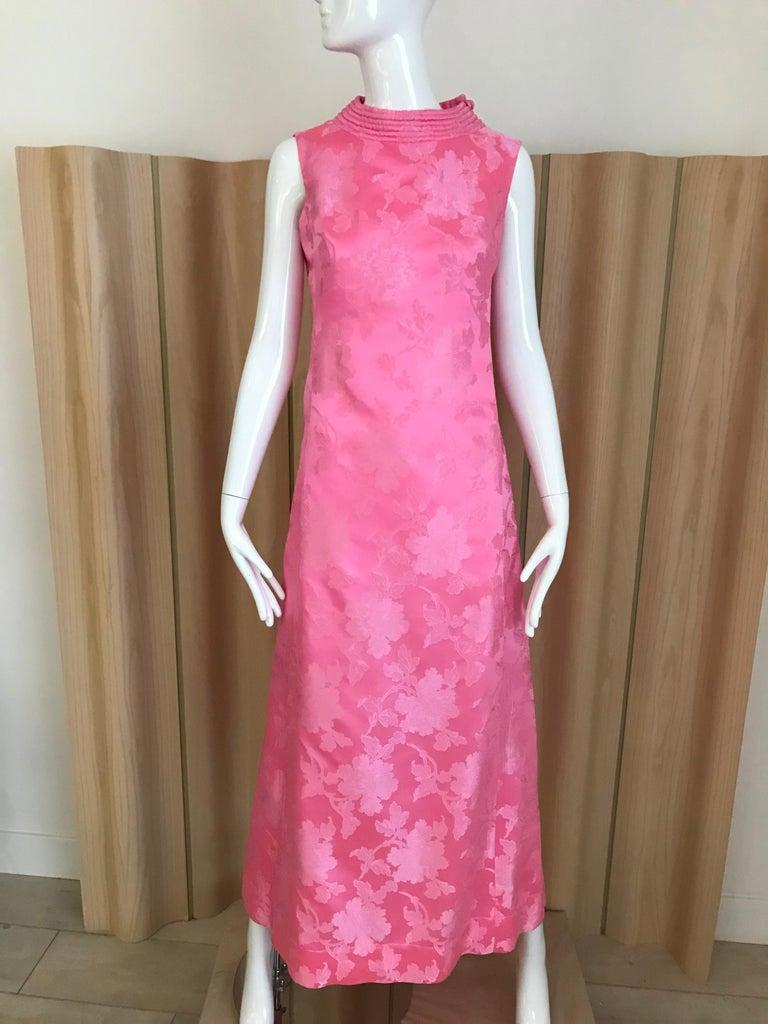 1960s Pink Jacquard Sleeveless Dress For Sale 2