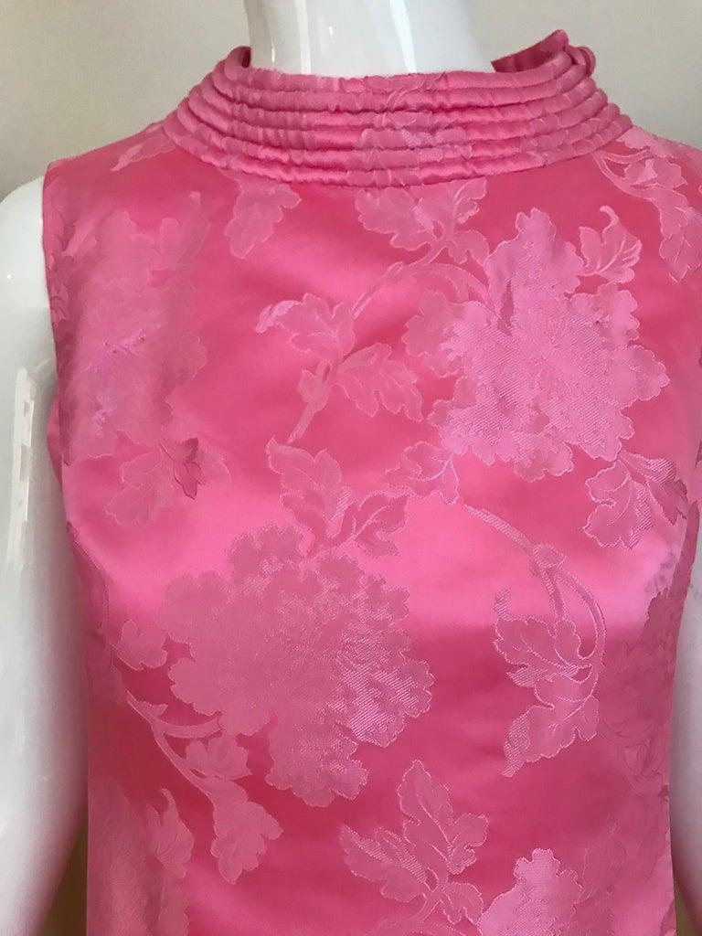 1960s Pink Jacquard Sleeveless Dress For Sale 3