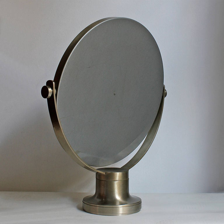1960s Pivoting Vanity-Table Mirror by Sergio Mazza, Nickel-Plated Frame, Italy In Good Condition For Sale In Barcelona, ES