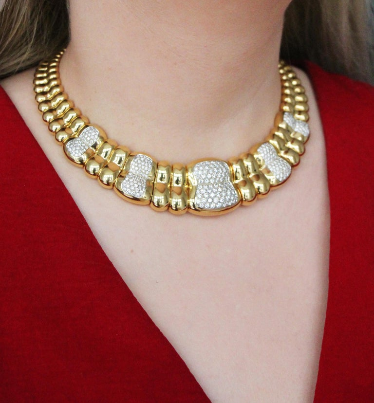 Vintage Poiray Paris Diamond 18 Karat Gold Collar Choker Necklace In Good Condition For Sale In London, GB