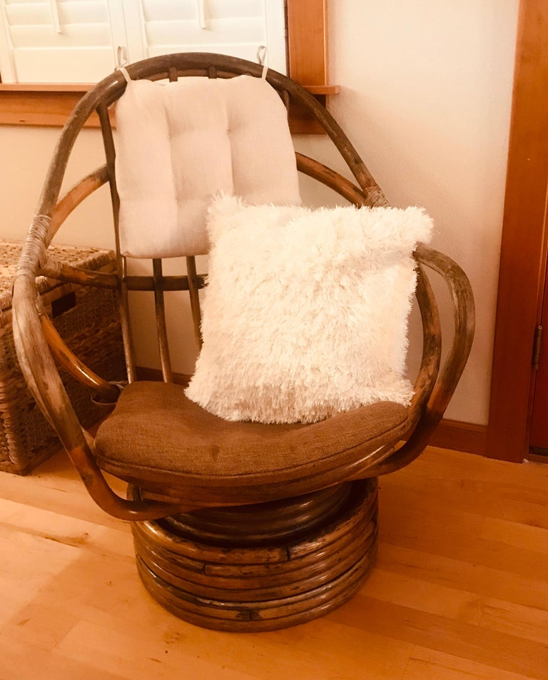 Mid-Century Modern 1960s Rattan Swivel Lounge Chair American For Sale