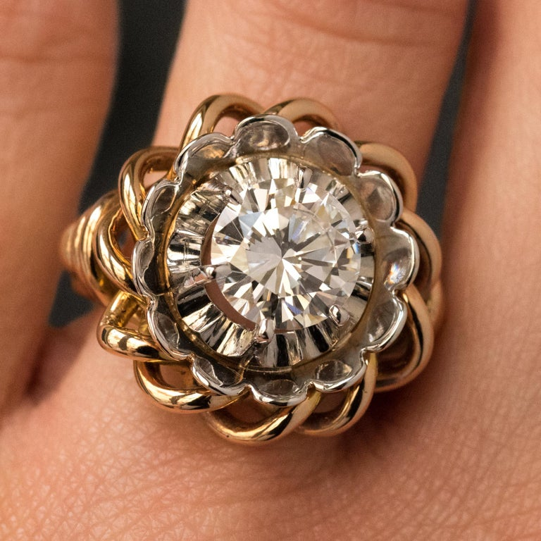 1960s Retro 2.06 Carat Diamond Solitary Ring For Sale 1
