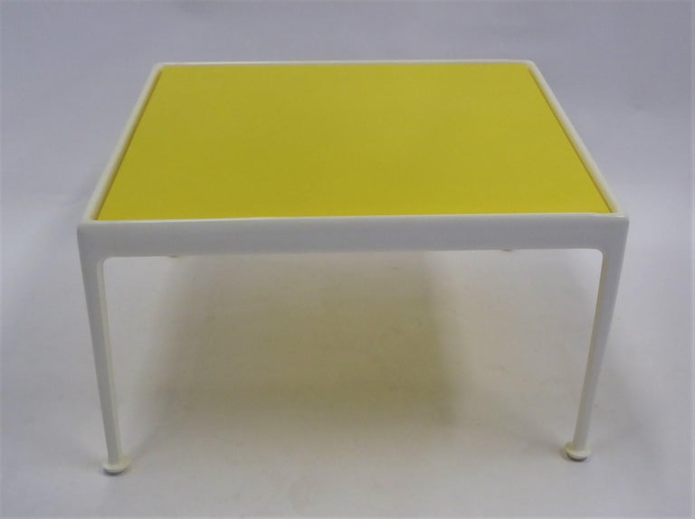 Mid-Century Modern 1960s Richard Schultz for Knoll Coffee Side Table For Sale