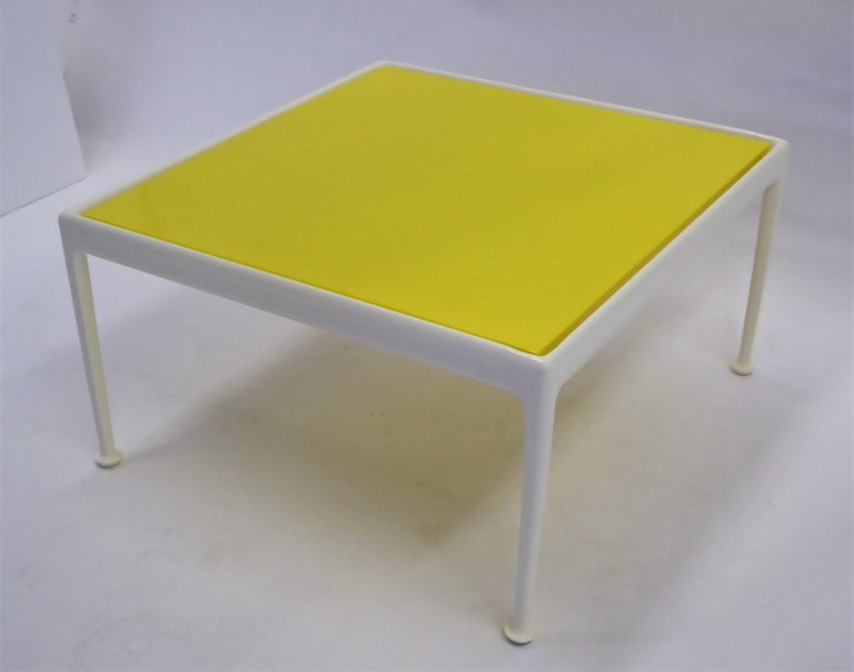 American 1960s Richard Schultz for Knoll Coffee Side Table For Sale