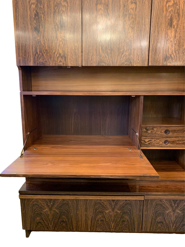 1960s Robert Heritage for Archie Shine Rosewood Wall Unit for Heals British Made In Good Condition For Sale In London, GB
