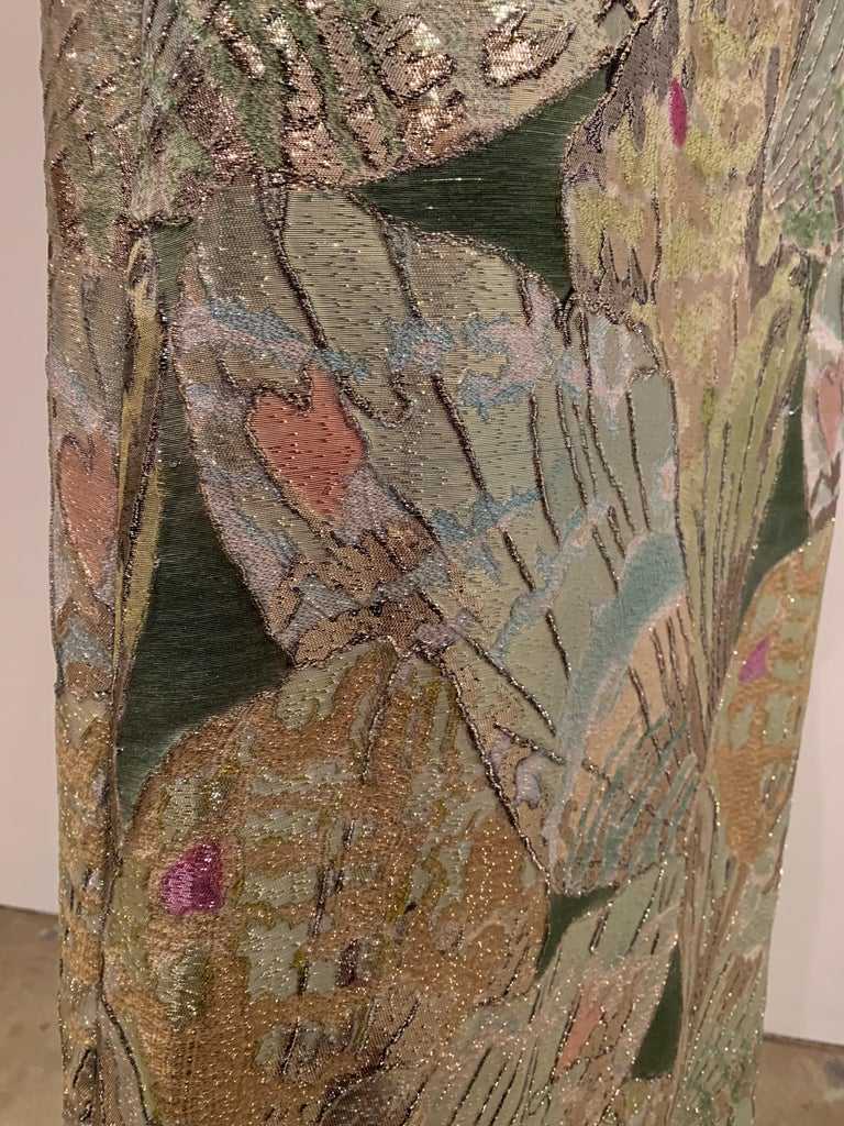 1960s Rochá  Butterfly Wing Patterned Lamé Brocade Empire Evening Gown W/ Bow For Sale 8