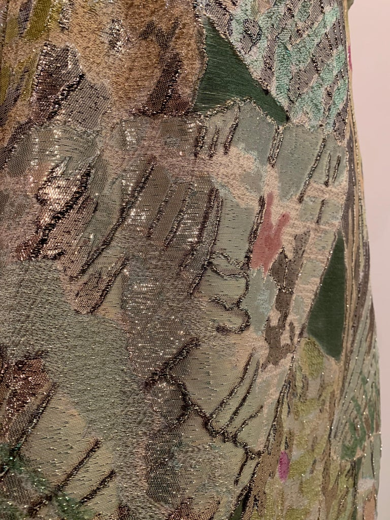 1960s Rochá  Butterfly Wing Patterned Lamé Brocade Empire Evening Gown W/ Bow For Sale 10