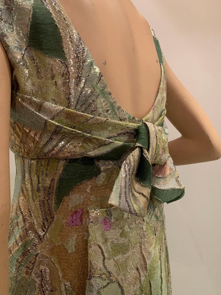 1960s Rochá  Butterfly Wing Patterned Lamé Brocade Empire Evening Gown W/ Bow For Sale 3