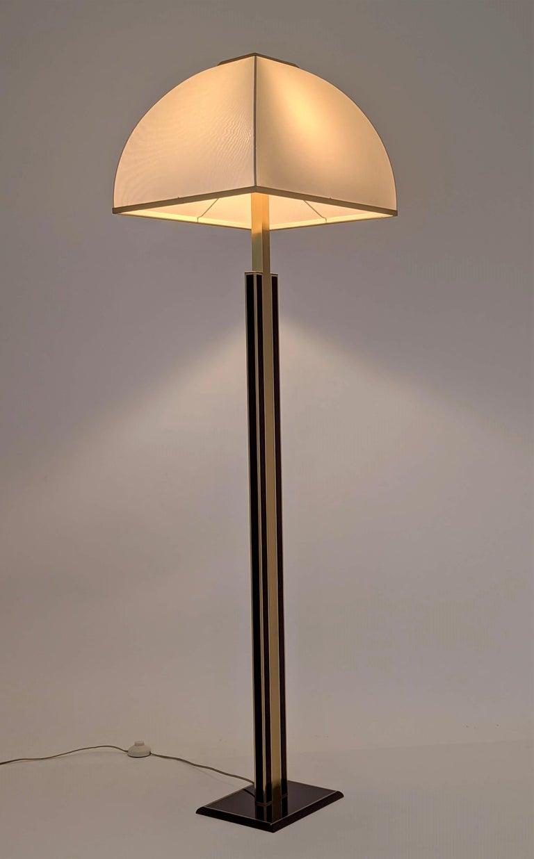 1960s Romeo Rega Massive Brass Floor Lamp, Italia In Good Condition For Sale In St- Leonard, Quebec