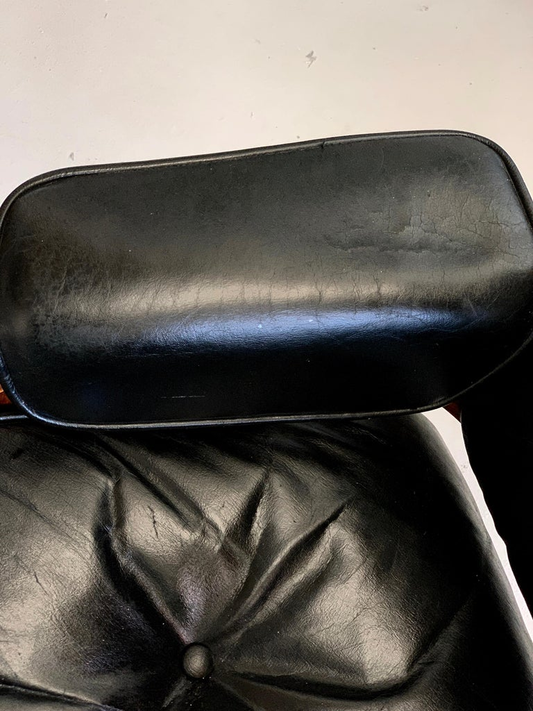 1960s Rosewood Eames Lounge Chair and Ottoman For Sale 5
