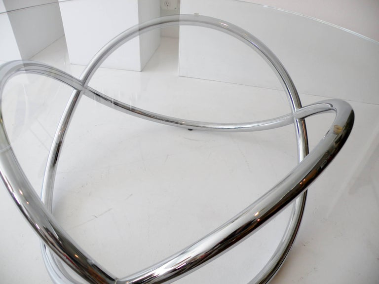 1960s Round Chrome and Glass Knotted Pretzel Twist Cocktail Table In Good Condition For Sale In Denver, CO