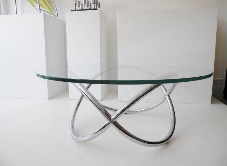 1960s Round Chrome and Glass Knotted Pretzel Twist Cocktail Table For Sale 2