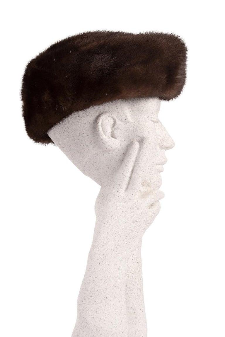 Beige 1960s Round Deep Chocolate Brown Genuine Mink Fur Hat For Sale