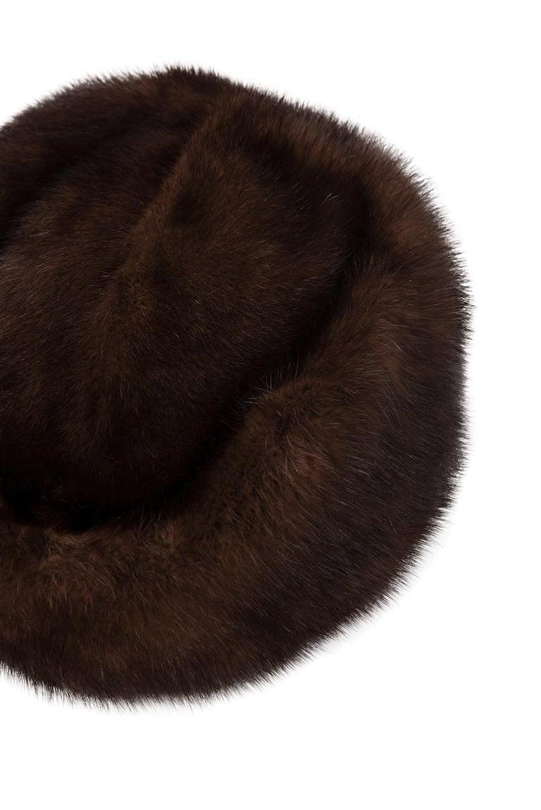 1960s Round Deep Chocolate Brown Genuine Mink Fur Hat For Sale 2