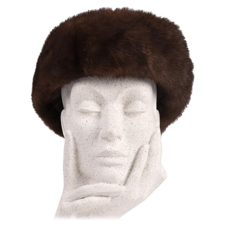 1960s Round Deep Chocolate Brown Genuine Mink Fur Hat For Sale