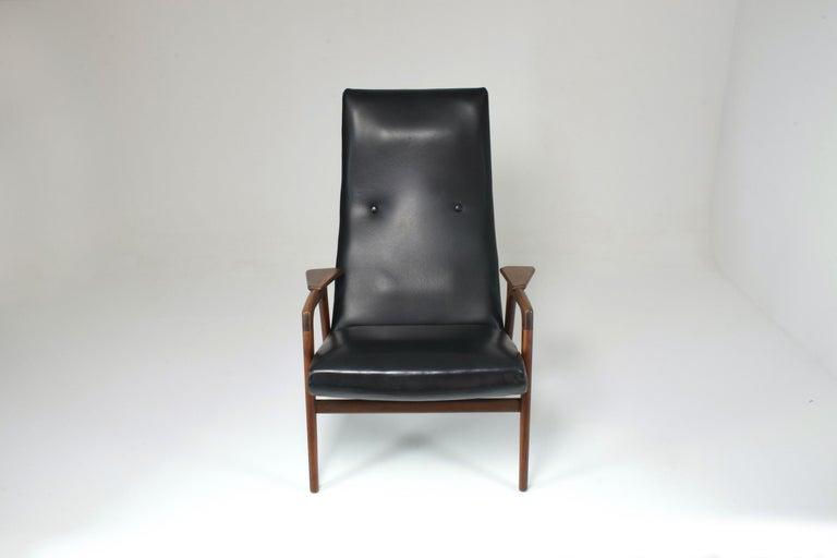 Scandinavian Modern 1960's Ruster Lounge Chair by Yngve Ekström for Pastoe For Sale