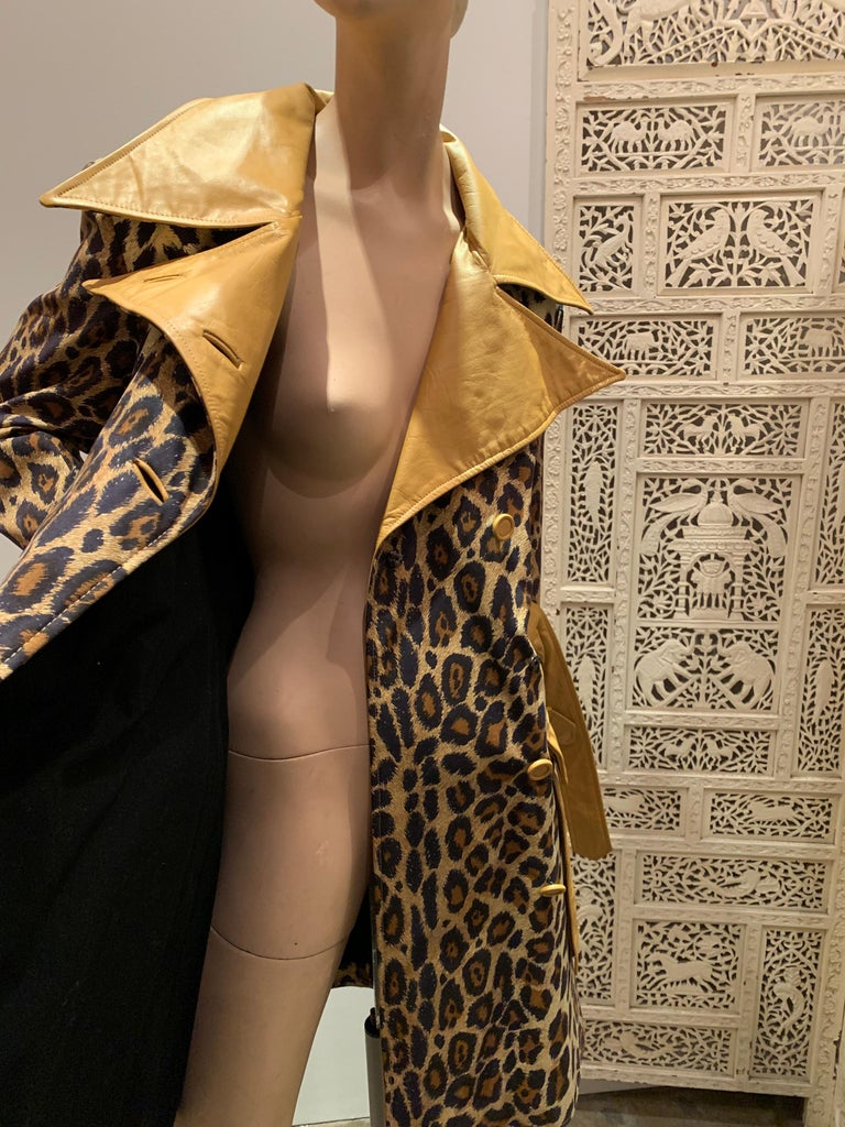 1960s Samuel Robert Leopard Stenciled Canvas Trench W/ Leather Collar Details For Sale 10