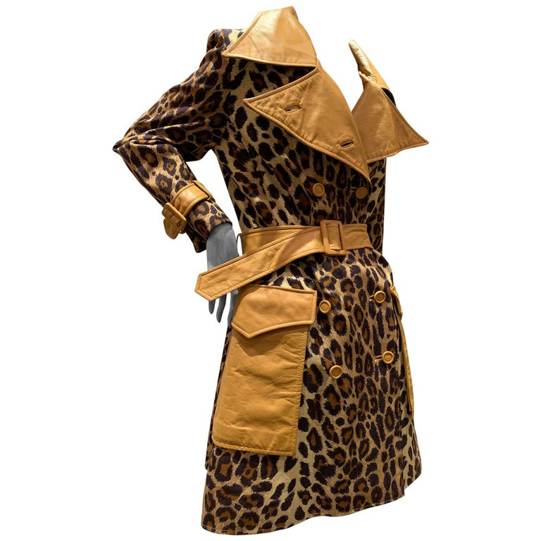 1960s Samuel Robert Leopard Stenciled Canvas Trench W/ Leather Collar Details For Sale