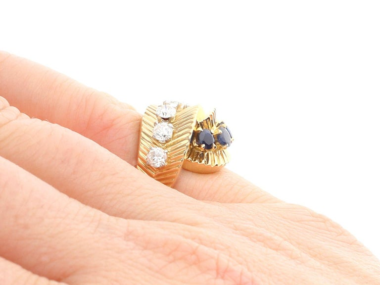 1960s Sapphire and Diamond Yellow Gold Ring by Van Cleef & Arpels For Sale 5