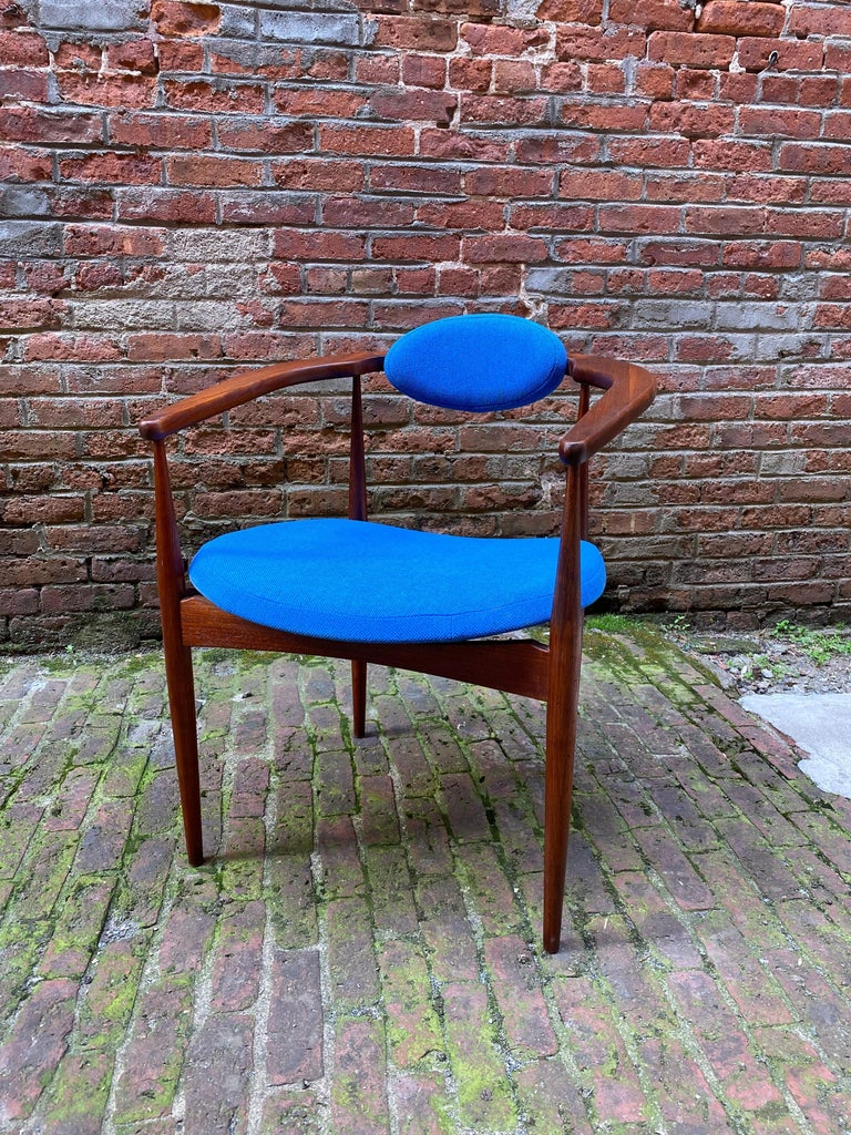 Scandinavian Modern 1960s Adrian Pearsall for Craft Associates 950-C Upholstered Armchair For Sale