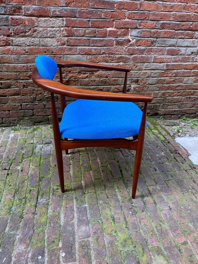 1960s Adrian Pearsall for Craft Associates 950-C Upholstered Armchair In Good Condition For Sale In Garnerville, NY