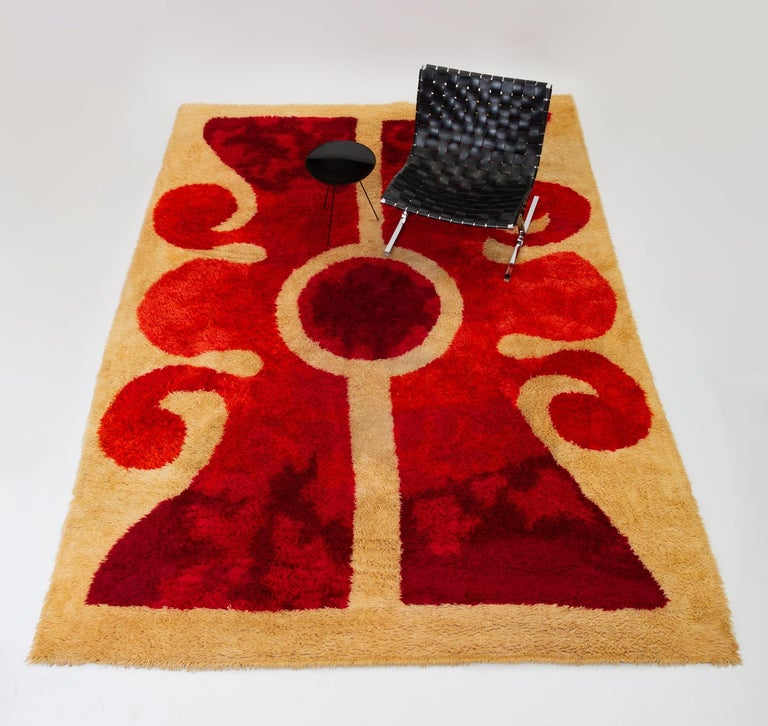 Mid 20th Century Modern Scandinavian Area Rug At 1stdibs: 1960s Scandinavian Modern Op Art Shag Area Rug For Sale At