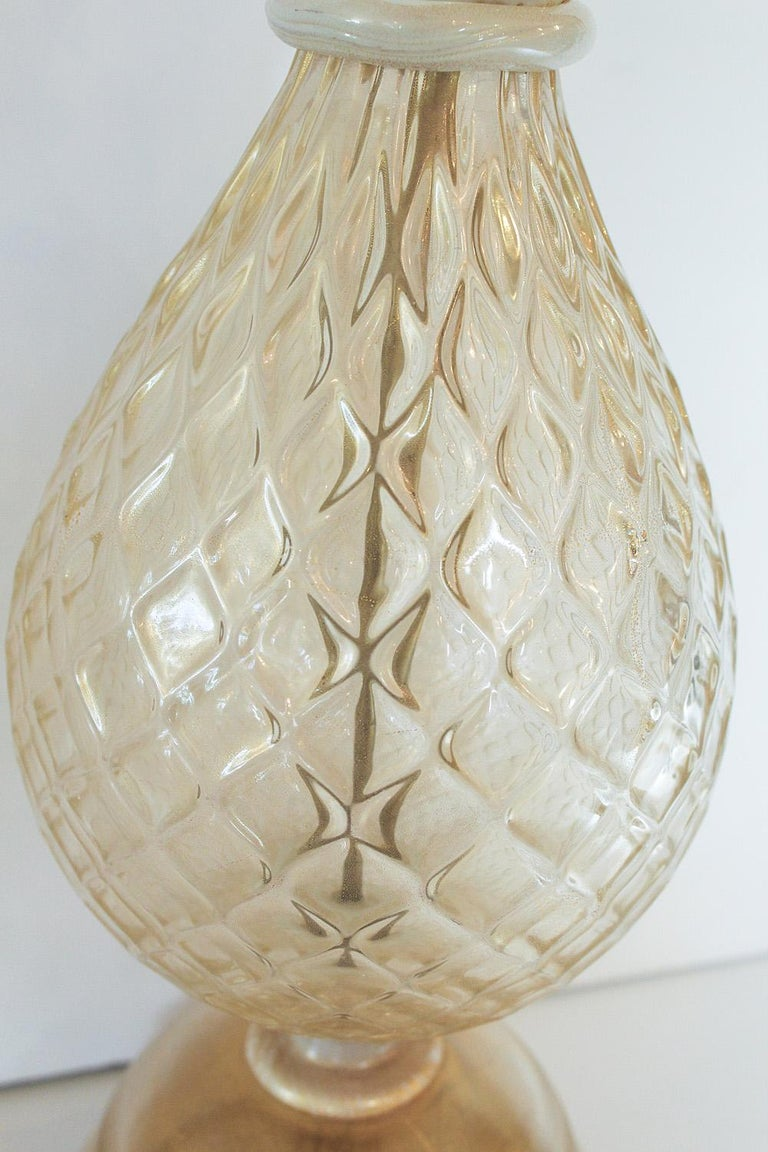 1960s Seguso White and Clear Gold Dusted Murano Glass Pineapple Lamp For Sale 1