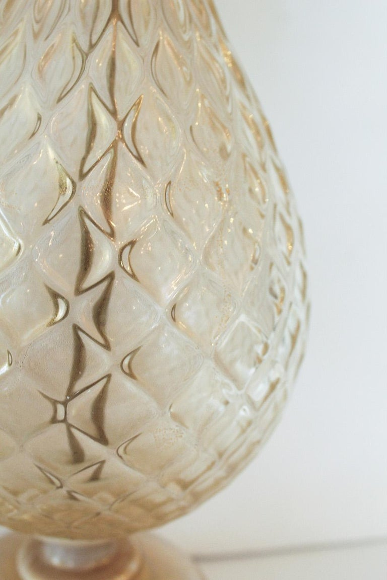 1960s Seguso White and Clear Gold Dusted Murano Glass Pineapple Lamp For Sale 2