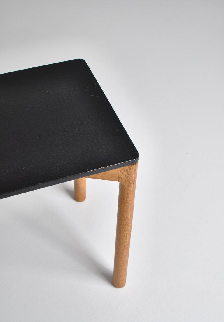1960s Side Table in Oak by Kurt Østervig for Slagelse Mobelvaerk, Denmark In Good Condition For Sale In Odense, DK