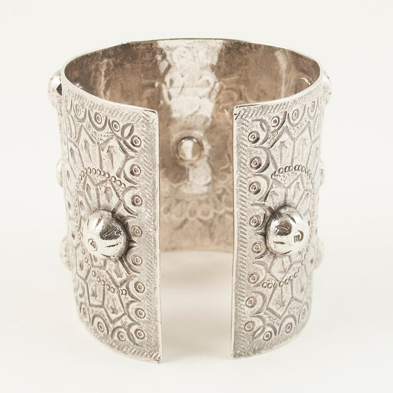 Egyptian 1960s Silver Tribal Cuff, Siwa Oasis, Egypt For Sale