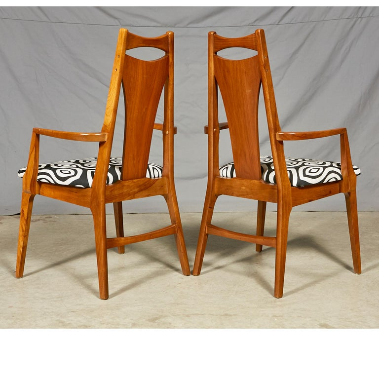 1960s Solid Walnut Dining Chairs, Set of Six In Excellent Condition In Amherst, NH