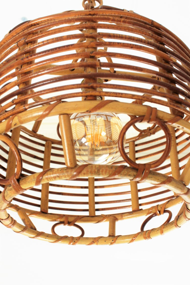 1960s Spanish Mid-Century Modern Bamboo and Rattan Pendant Hanging Lamp For Sale 3