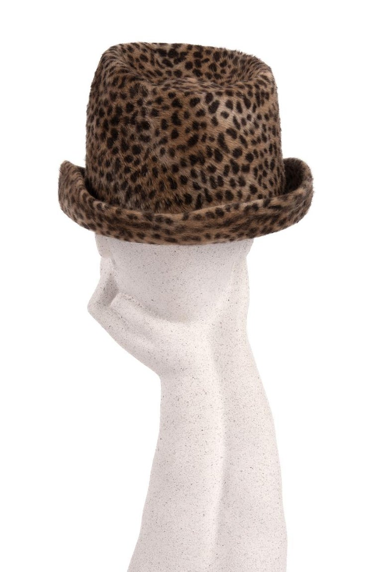 1960s Spotted Cheetah Animal Print Brown and Black Fur Felt Fedora Hat In Excellent Condition For Sale In Munich, DE
