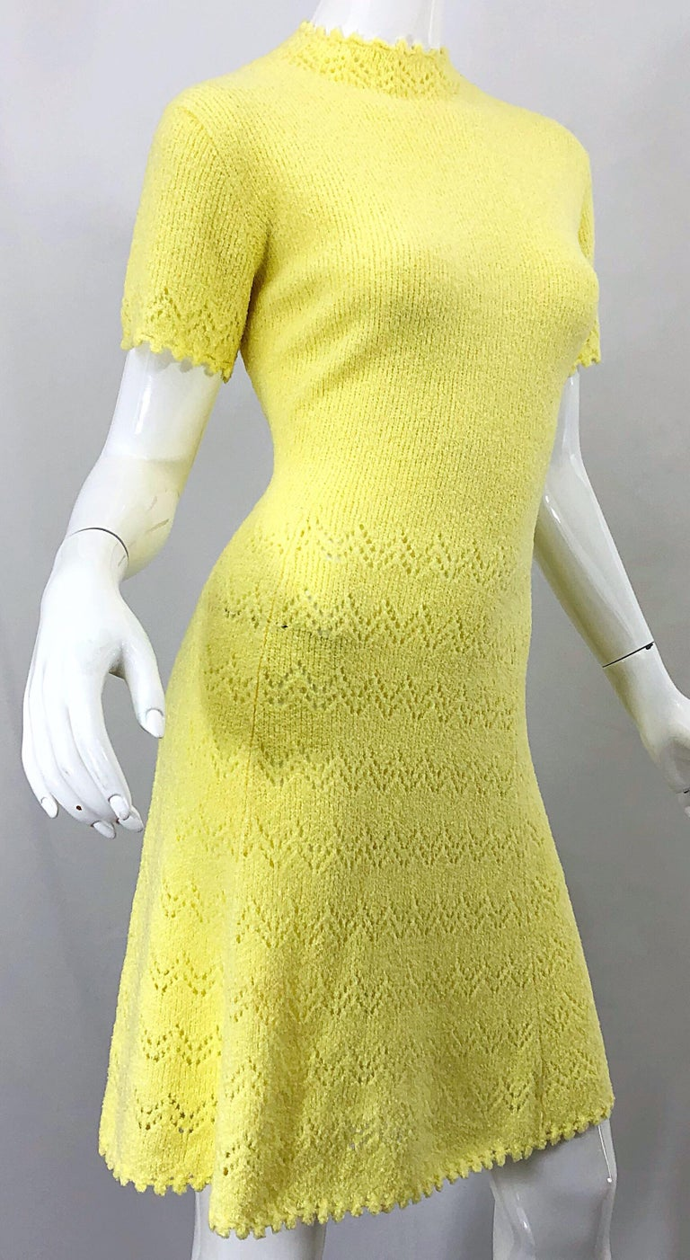 1960s St John Canary Yellow Santana Knit Mod Crochet Vintage A Line 60s Dress For Sale 2