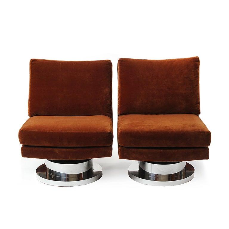 Mid-Century Modern 1960s Swiveling Russet Velvet Slipper Chair by Milo Baughman for Thayer-Coggin For Sale