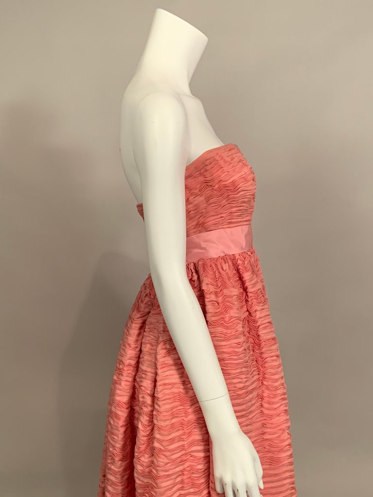 1960's Sybil Connolly Irish Haute Couture Pleated Pink Linen Strapless Dress For Sale 2