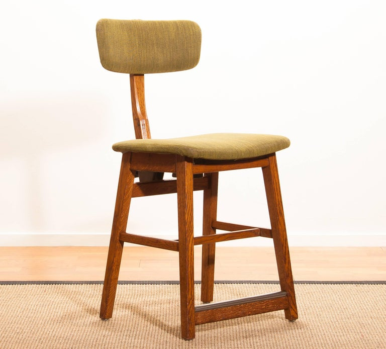 1960s, Teak and Wool Desk Chair by Âtvidabergs Sweden In Good Condition For Sale In Silvolde, Gelderland