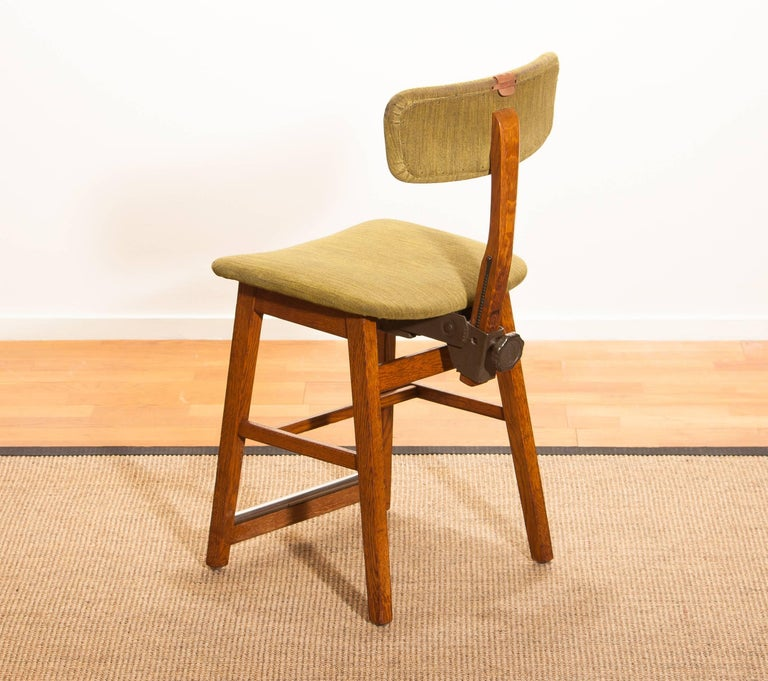 1960s, Teak and Wool Desk Chair by Âtvidabergs Sweden For Sale 2