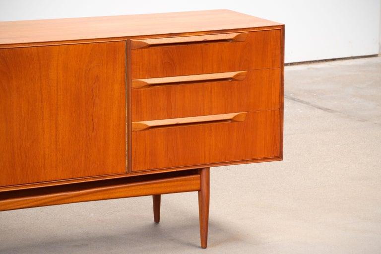 1960s Teak McIntosh Sideboard In Good Condition For Sale In Wiesbaden, DE