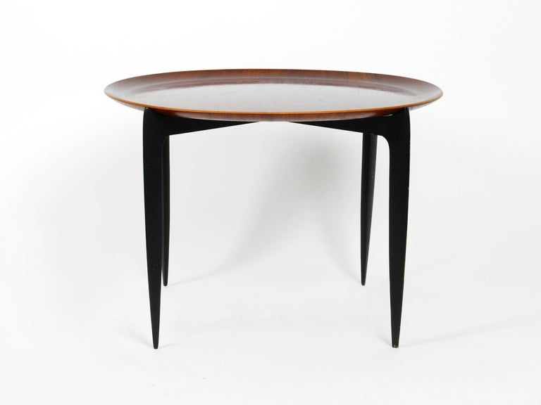 Fine filigree very elegant 1960s teak side table by Svend Age Willumsen & Hans Engholm. Made by Fritz Hansen. Made in Denmark. With stamp on frame and back of tray. Beautiful minimalistic Danish design in fantastically good vintage