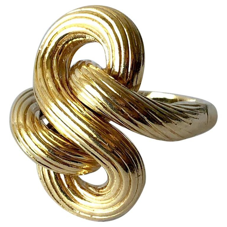 1960s Textured 14 Karat Gold Love Knot Cocktail Ring For Sale